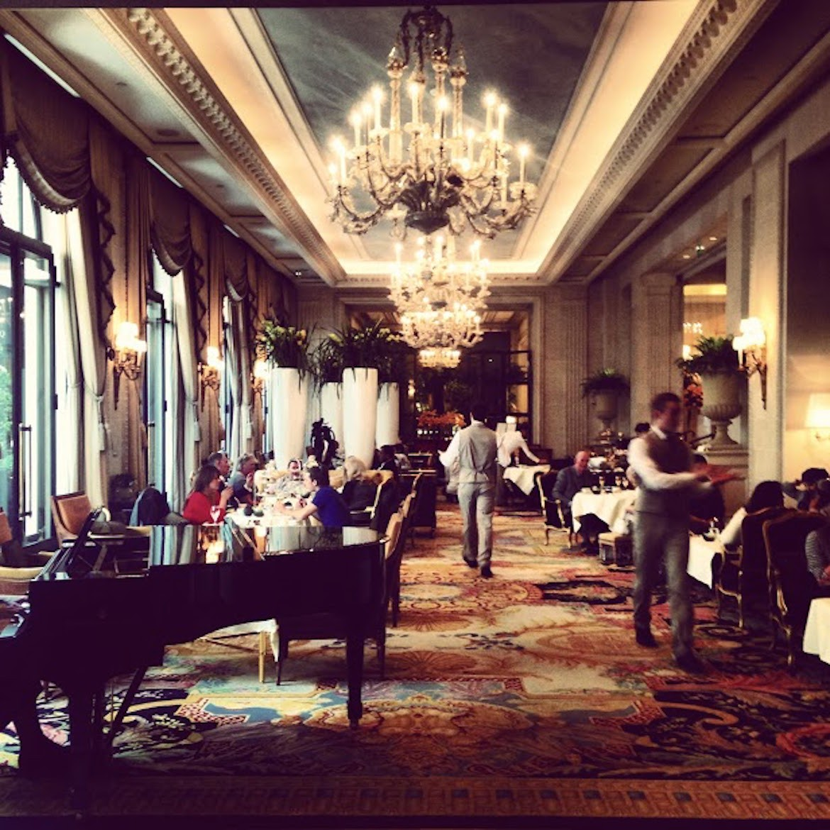 Five o' clock tea time at Georges V  (Four Seasons Hotel) - a 5***** experience