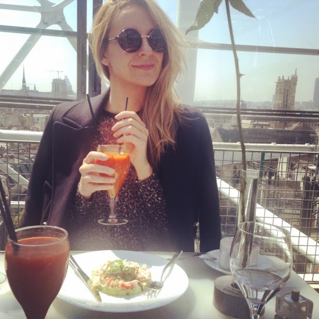 Zeta (@pinkgirlnotes) brunching with a #view at restaurant Georges on top of Centre Pompidou