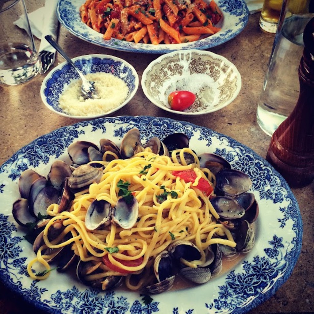 Linguini al Vongole at Capanna italian restaurant in Kolonaki pasta
