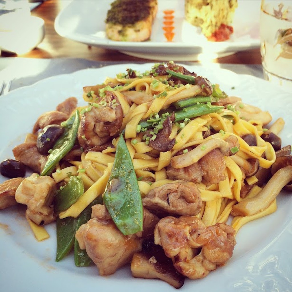 #pastaporn with chicken at Artisanal restaurant, Kifissia