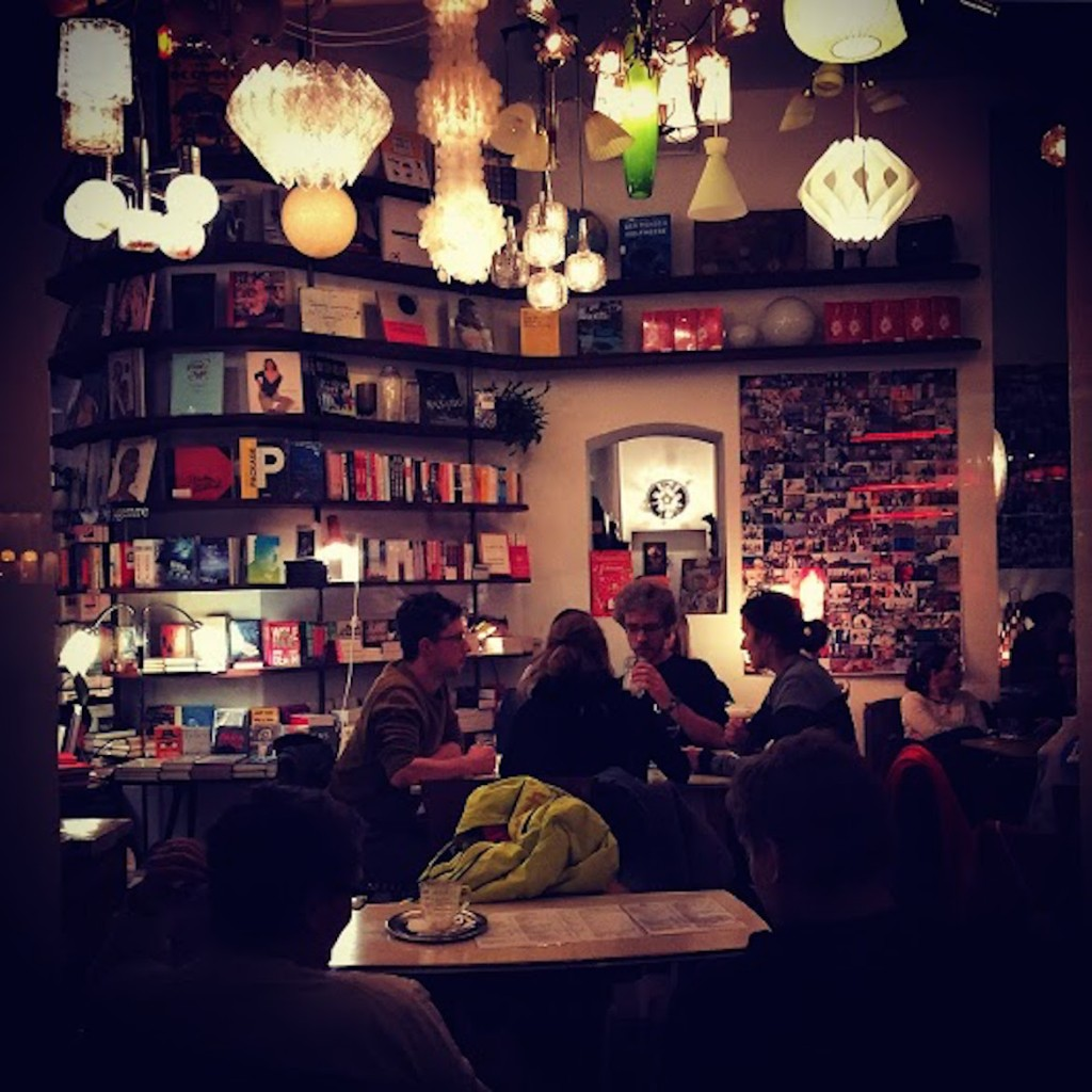 Phil: a hipster cafe selling perfectly roasted coffee, alcohol drinks, books & comics.