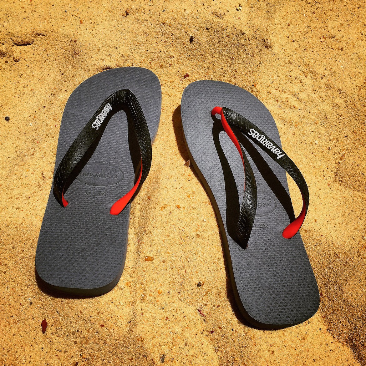 Wearing Havaianas flip-flops & my #summer2015 mood...
