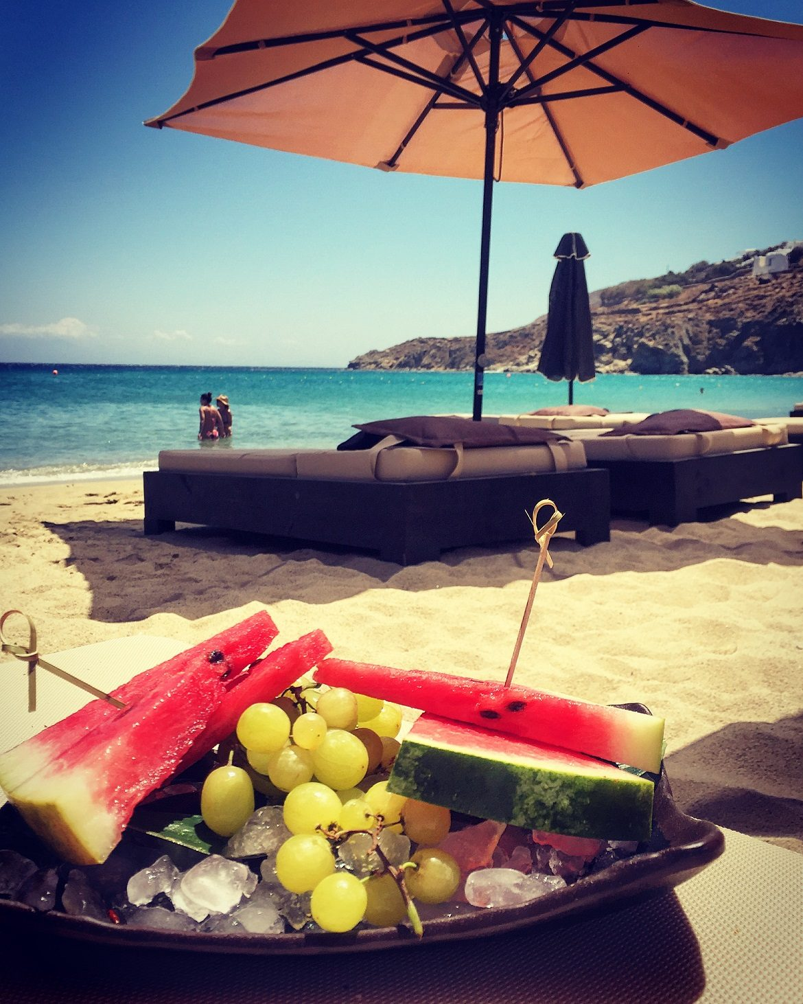 Fresh fruits on this exclusive loungy part of Kalo Livadi beach...