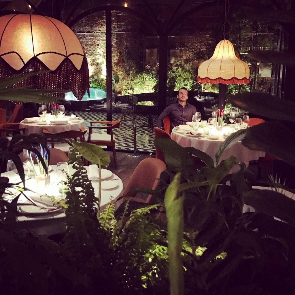 Highlight το posh μπαρ-εστιατόριο Amazonico στη Salamanca (το Κολωνάκι της Μαδρίτης...) με exotic-chic διακόσμηση